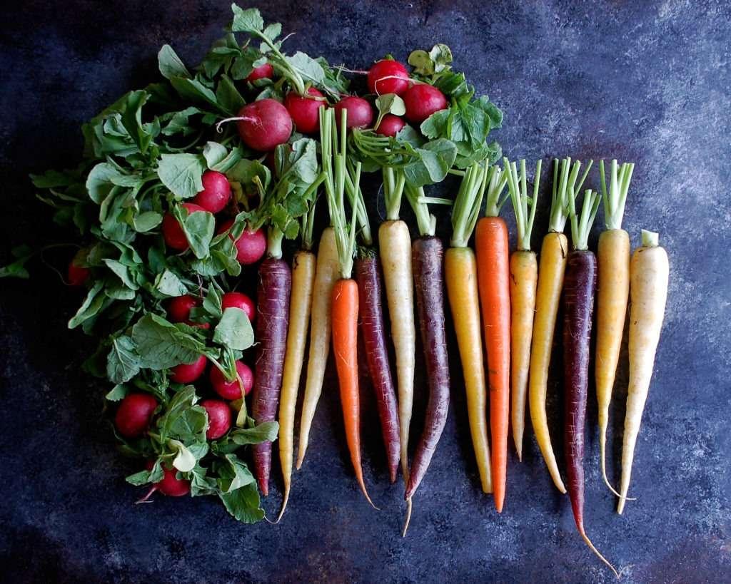 Nước ép củ cải đường hoặc cà rốt