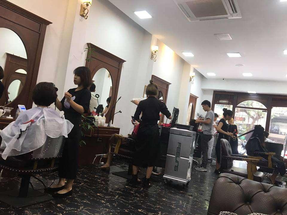 Aki Hairdressing Salon