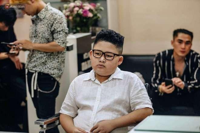 mẫu nhí cắt tóc Kim Jong Un