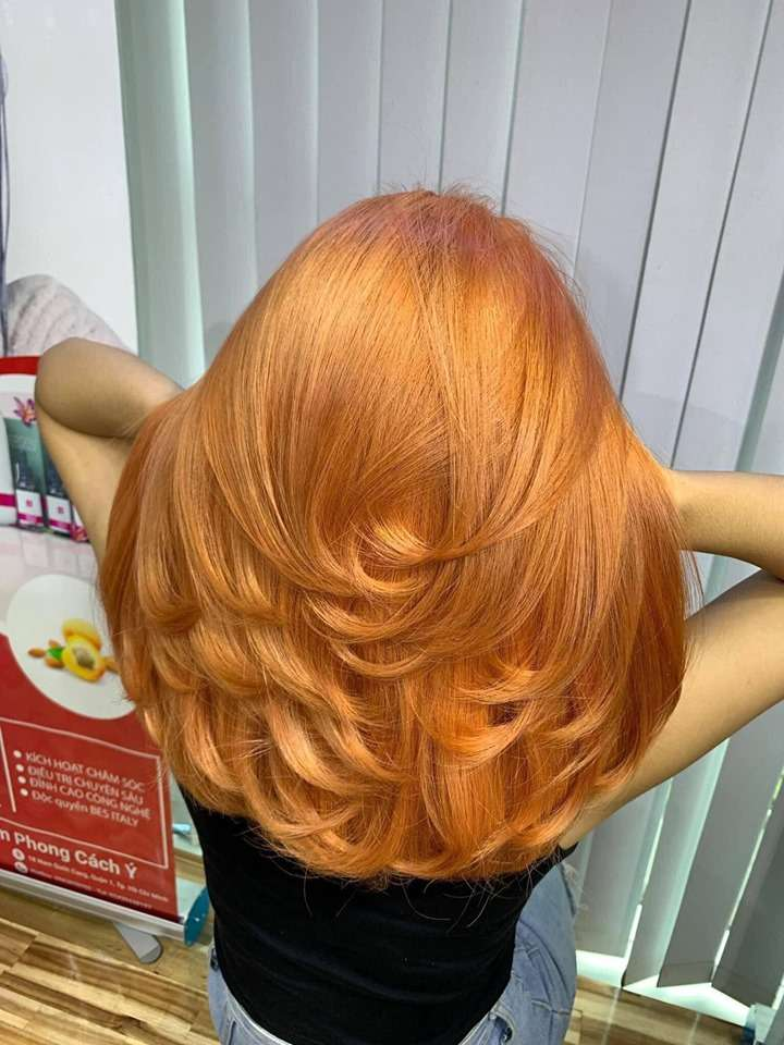 Kiểu tóc nhuộm màu vàng tây đep
