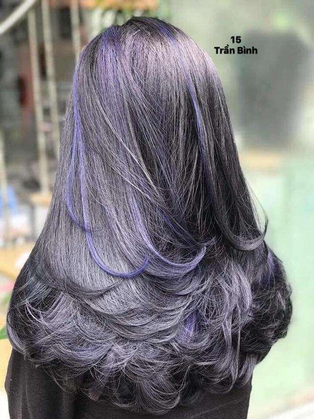 Kiểu tóc nhuộm highlight than chì đẹp
