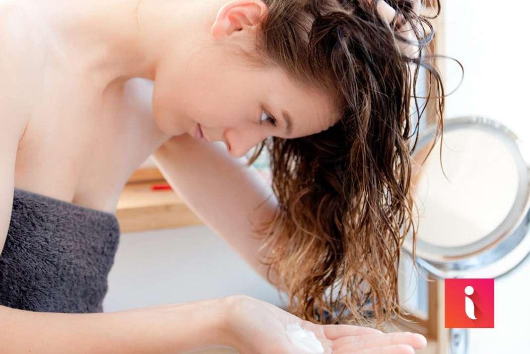 Chăm sóc tóc bằng kem xả khô Moisture có thể sử dụng trên tóc ẩm hoặc khô