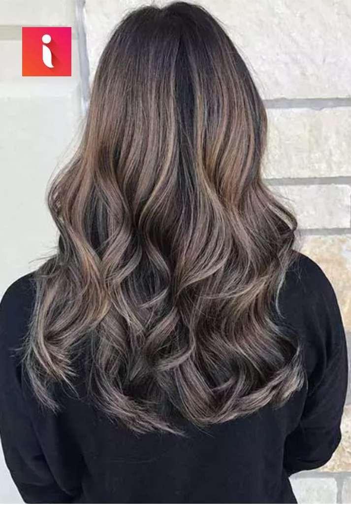 Tóc màu nâu khói highlight cho nàng thêm năng động