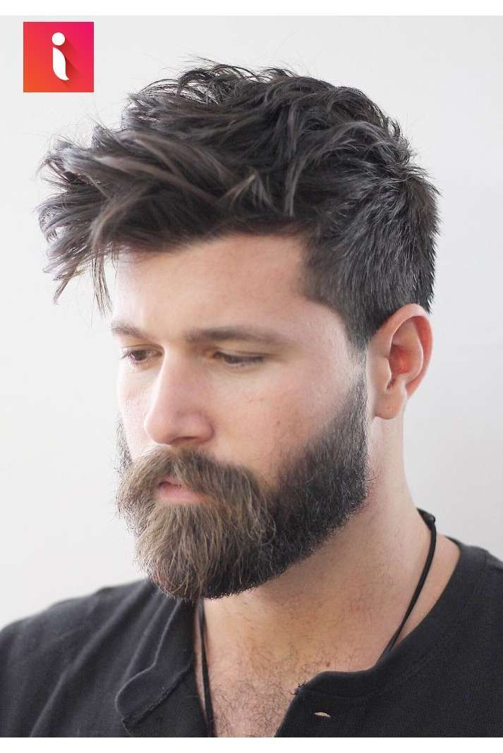 Tóc dài kết hợp cùng râu quai nón luôn mang đến vẻ gợi cảm và nam tính - kiểu tóc nam giới đẹp