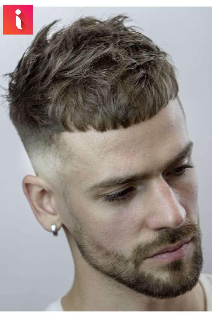 Kiểu tóc đơn giản nhưng không hề đơn điệu