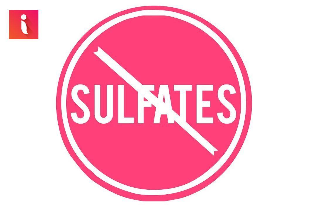 Một trong những cách chăm sóc tóc hư tổn tại nhà là sử dụng dầu gội đầu không chứa Sulfate