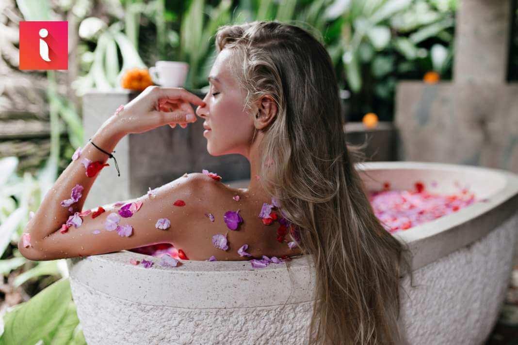 Với mỹ phẩm tóc từ thiên nhiên, mái tóc sẽ luôn chắc khỏe